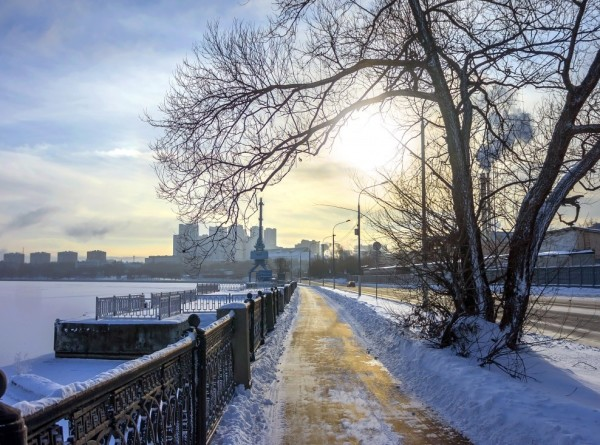 Москвичей ждет мороз, солнце и высокое атмосферное давление