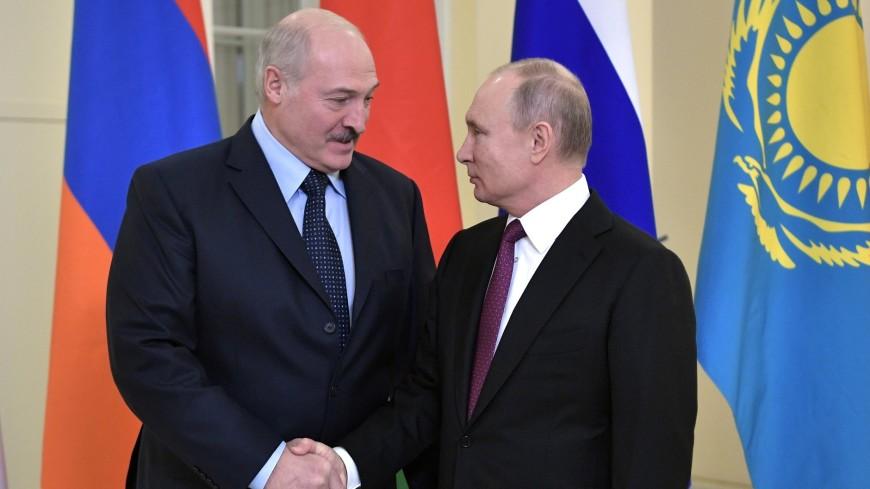 Путин подарил главам стран ЕАЭС национальные флаги с МКС