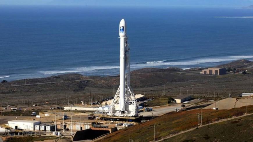 "Фото: ""NASA"":http://www.nasa.gov/, фалькон, falcon"