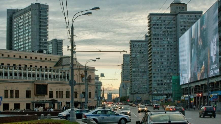 "Фото: Елена Андреева, ""«Мир24»"":http://mir24.tv/, новый арбат, москва, автомобили"