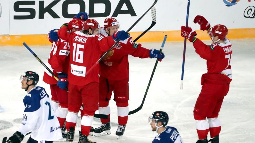 Матч в честь Тарасова: сборная России по хоккею разгромила финнов в Петербурге