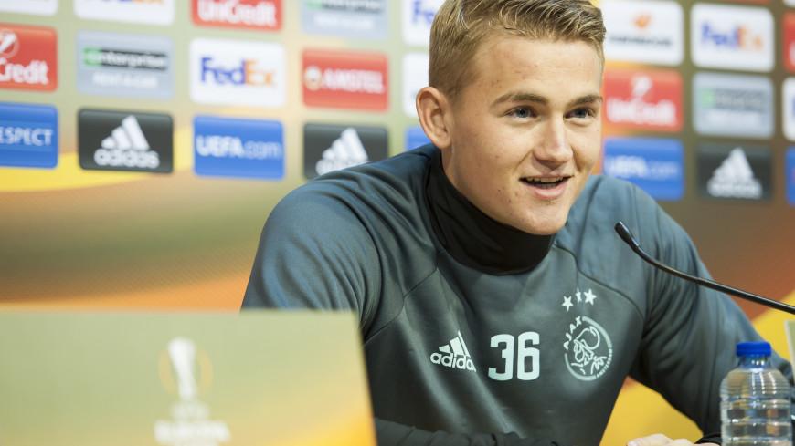 Капитан голландского «Аякса» назван лучшим молодым игроком Европы