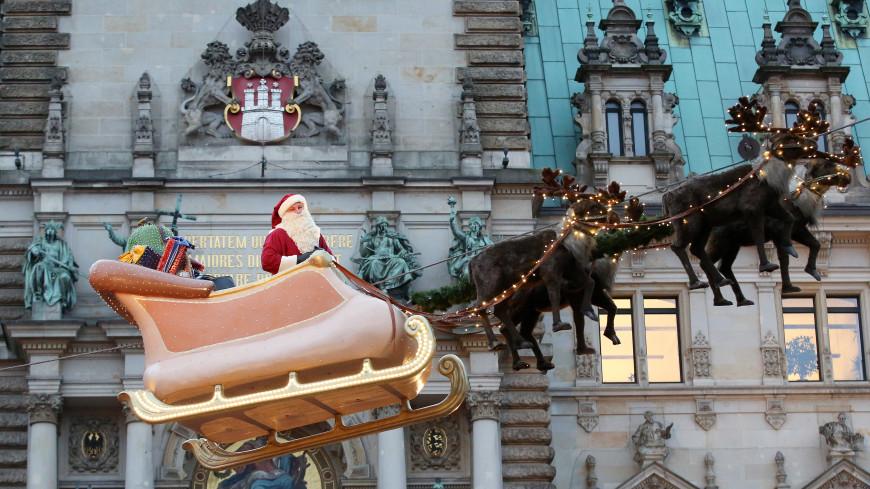 Над Москвой и Петербургом пролетели сани Санта-Клауса