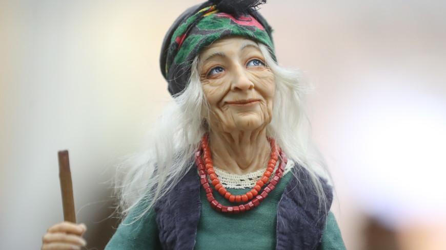 Скульптура Бабы-яги украсила центр Лондона