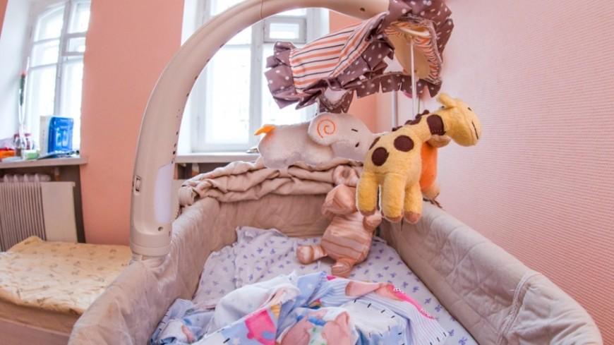 """Фото: Максим Кулачков (МТРК «Мир») """"«Мир 24»"""":http://mir24.tv/, люлька, дом для мамы, комната, кровать, детская, кроватка"""