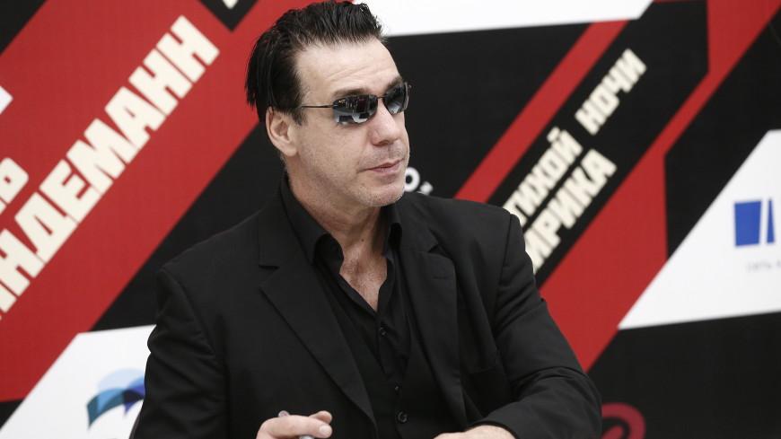 Лидер Rammstein пообщался с Шнуровым и заговорил матом