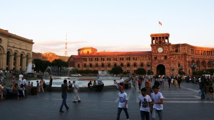 Наблюдатели СНГ не выявили серьезных нарушений на выборах в Армении