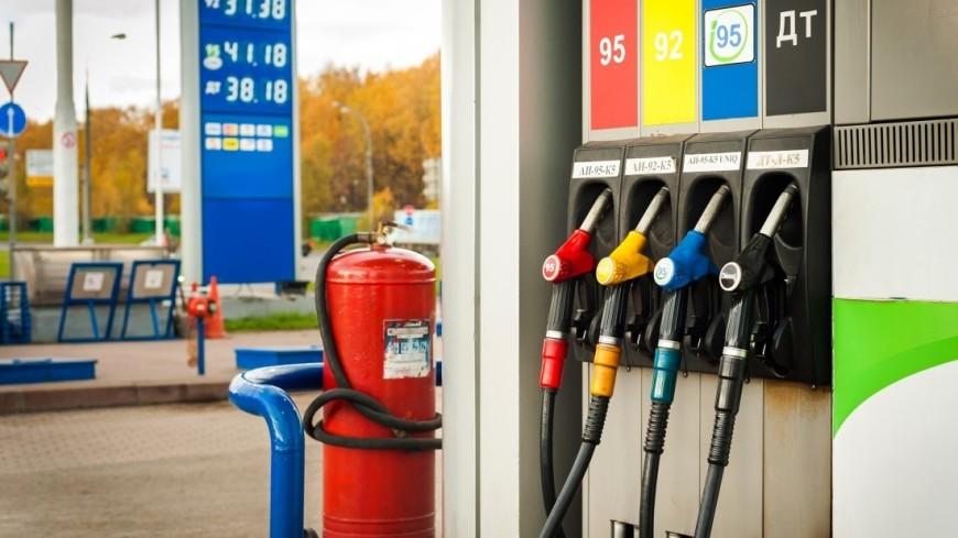 Путин пообещал не допустить скачков цен на бензин