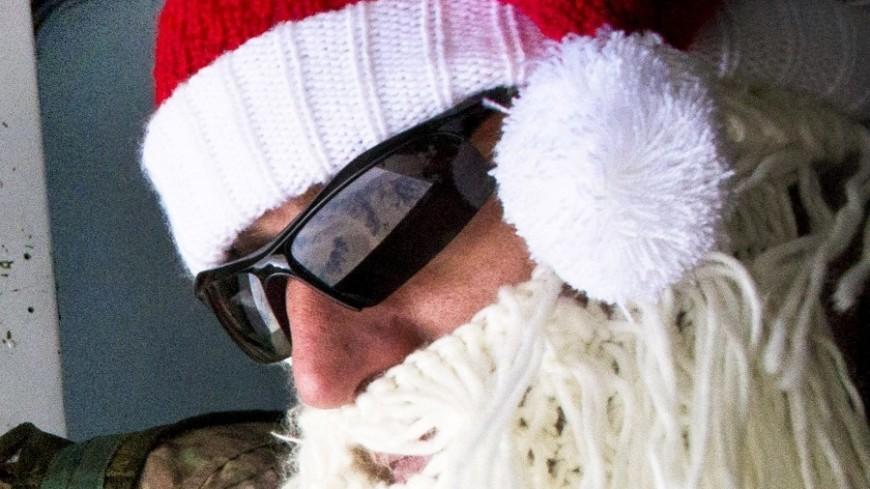 """Фото: """"Capt. Thomas Cieslak, официальный сайт Минобороны США"""":http://www.defense.gov/, санта-клаус"""