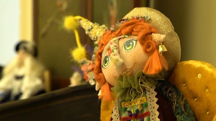 Жителям Еревана показали более сотни авторских кукол