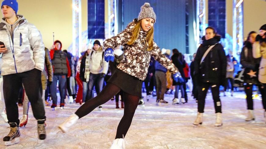 В девяти московских парках открылись школы фигурного катания