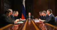 Заседание у Медведева началось с минуты молчания из-за Ан-148