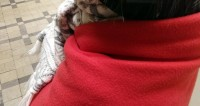 Пермяки завалили шарфами «деда Гарольда, скрывающего боль»
