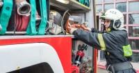 В здании в Химках возник пожар на площади 2000 кв. м