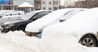 Сильнейший снегопад в Москве спровоцировал «бизнес по очистке авто»