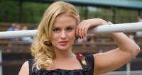 Анна Семенович: Раз в пять лет мне нужно менять мужчину