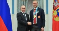 С олимпийским чемпионом по хоккею Сергеем Андроновым.