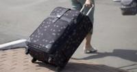 Чтобы ничего не пропало: китаянка залезла в рентген вместе с багажом