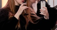 «Без стеснения!» Новая селфи-мода в социальных сетях