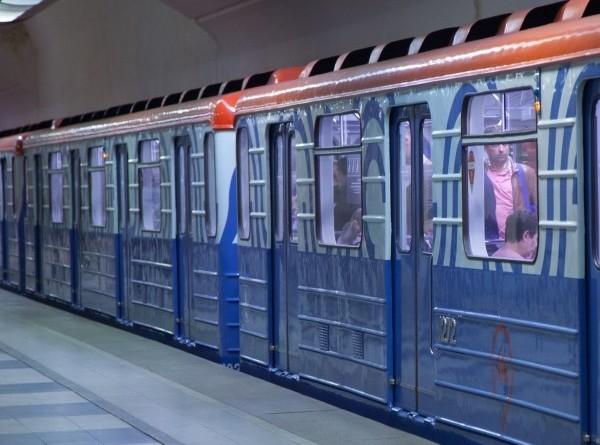 Из-за снегопада метро Москвы работает в усиленном режиме