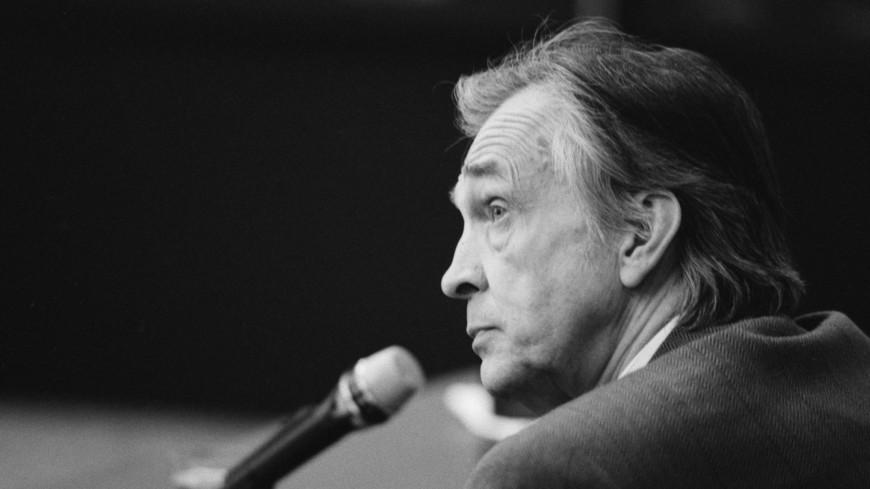 Умер дипломат и журналист Валентин Фалин
