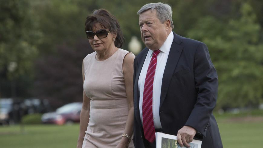 Родители Мелании Трамп скоро получат американское гражданство