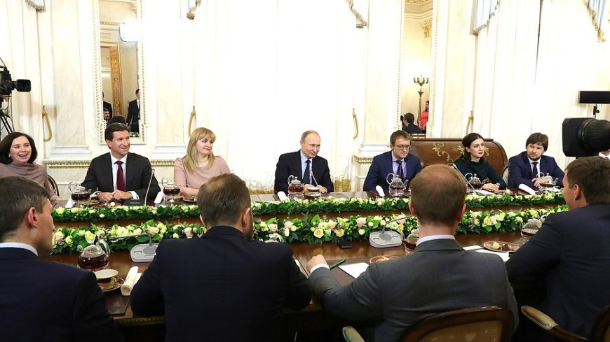 Путин: Нужно придумать свою платформу электронной торговли