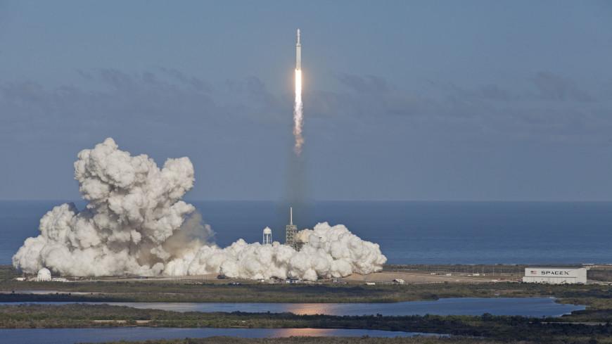 Илон Маск назвал причину аварии при запуске Falcon Heavy