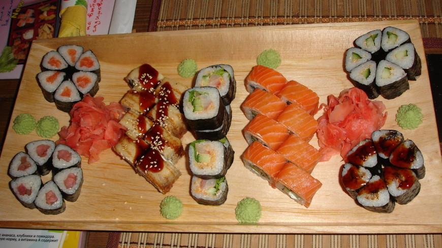 Посетителя японского ресторана угостили роллом с живым моллюском