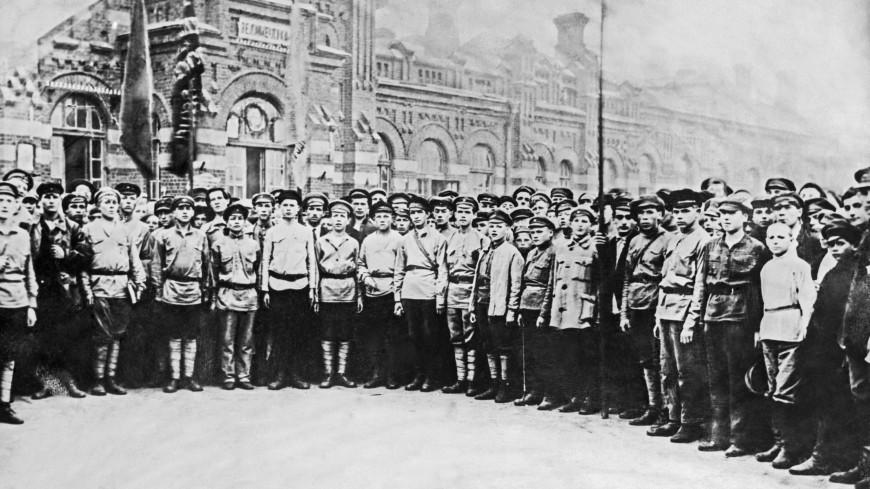 100-летие Красной армии: почему вчерашние крестьяне победили белых офицеров