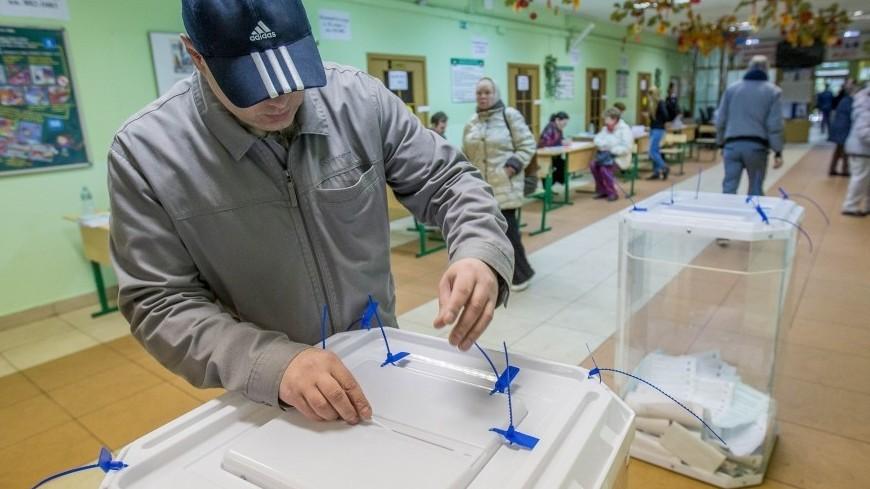Голосовать за депутатов в Беларуси приходят целыми семьями