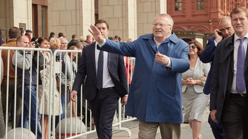 ВЦИОМ: Зюганов уступил бы Жириновскому на выборах президента