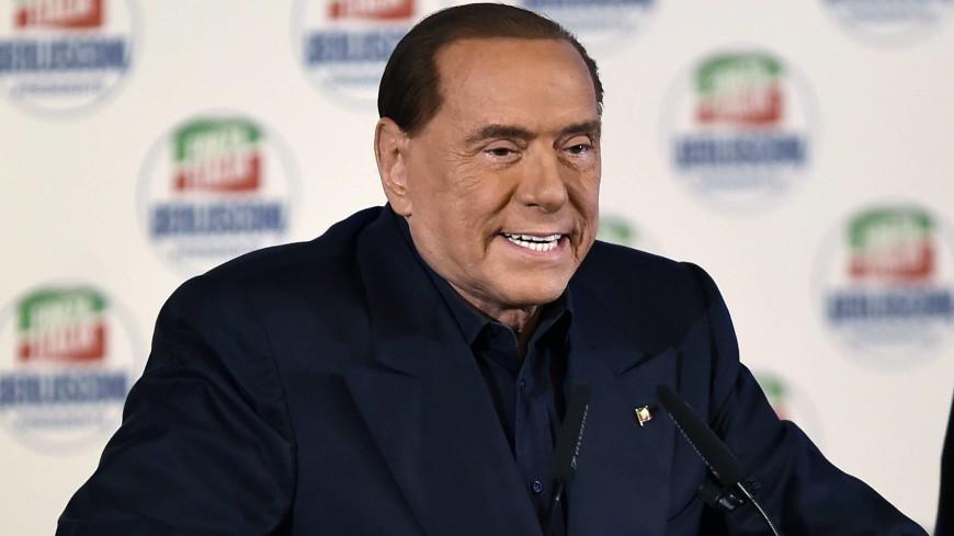 Берлускони готов стать премьером Италии через год