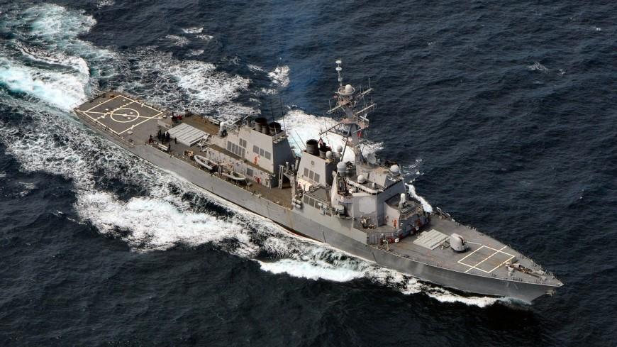 Бомбивший Сирию эсминец США вошел в Черное море