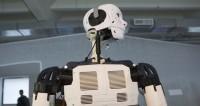 Робот-спасатель Федор собрал автомобильную коробку передач
