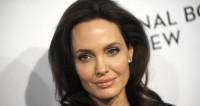 Анджелина Джоли сходила с детьми в Лувр