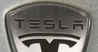 Автомобили Tesla получат голосовое управление