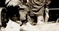 В США умер гонщик, придумавший праздновать победы душем из шампанского