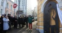 Его попросили остаться: во Владивостоке открыли памятник Штирлицу