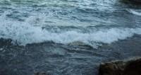 Набережную Батуми залило грязью с камнями во время шторма