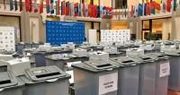 Только Путин представил подписи из всех 85 регионов России