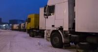 Десятки авто оказались в снежной ловушке на Военно-Грузинской дороге