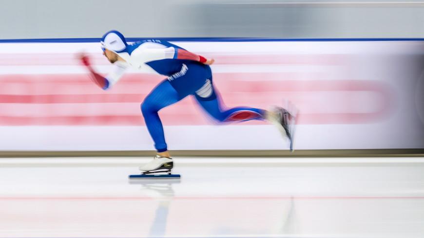 Конькобежец Денис Юсков выиграл забег на 1500 метров на ЧЕ