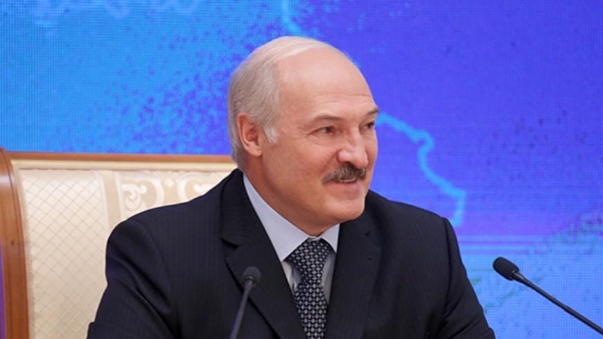 Белорусские аграрии подарили Лукашенко оберег