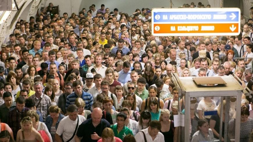 "Фото: Алан Кациев, ""«Мир24»"":http://mir24.tv/, метро, толпа, час пик"