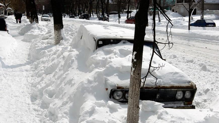 В Якутии два человека замерзли насмерть на дороге