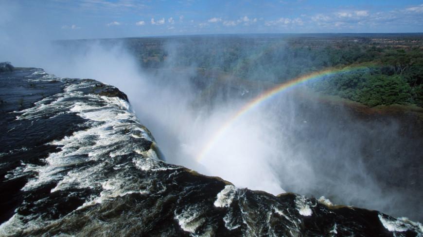 Почти высохший водопад Виктория отпугнул туристов