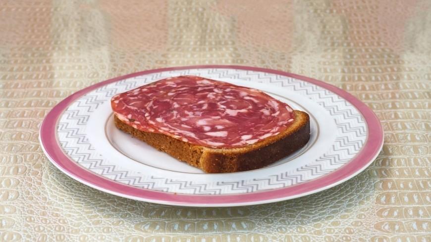 Бутерброд с колбасой,мясная нарезка, мясные изделия, бутерброд, колбаса, перекус, ,мясная нарезка, мясные изделия, бутерброд, колбаса, перекус,