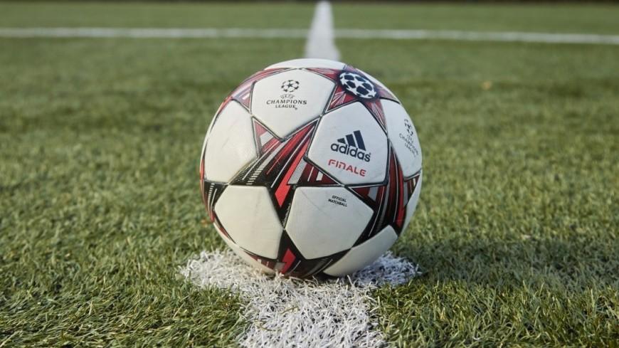 """Фото: Дмитрий Белицкий (МТРК «Мир») """"«Мир 24»"""":http://mir24.tv/, футбольный мяч, футбол, спорт, футбольное поле, мяч"""