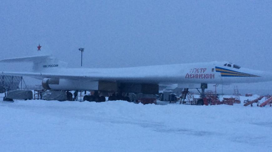 Бомбардировщик Ту-160М назвали в честь Петра Дейнекина